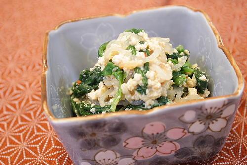 今日のキムチ料理レシピ:ほうれん草とキムチの白和え