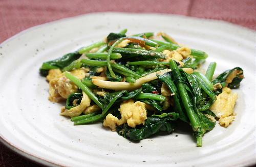 今日のキムチ料理レシピ:ほうれん草とキムチのマヨごま炒め