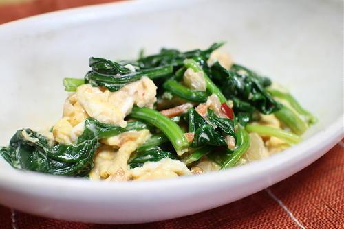 今日のキムチレシピ:ほうれん草と卵のキムチ和え