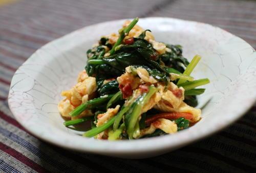 ほうれん草と卵のピリ辛マヨ和えレシピ