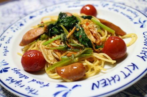 今日のキムチ料理レシピ:ほうれん草とキムチのパスタ