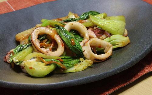 今日のキムチ料理レシピ:いかと青梗菜のキムチ炒め