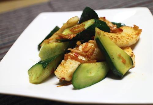 今日のキムチレシピ:いかときゅうりのキムチ炒め