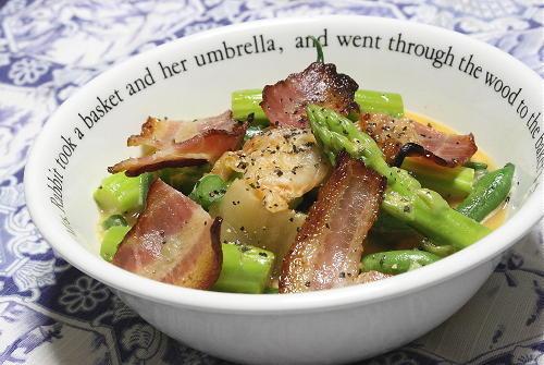 今日のキムチ料理レシピ: いんげんとアスパラとキムチのトロ玉和え