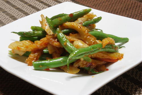 今日のキムチ料理レシピ:いんげんとちくわの甘辛炒め