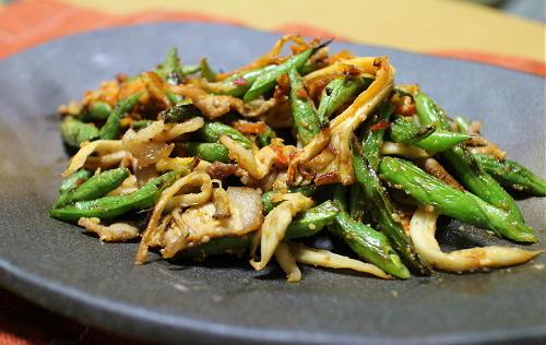 今日のキムチ料理レシピ:いんげんとキムチの胡麻炒め