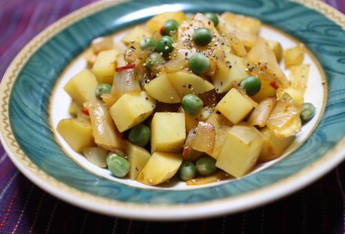 今日のキムチ料理レシピ:ジャガイモとキムチのスープ煮