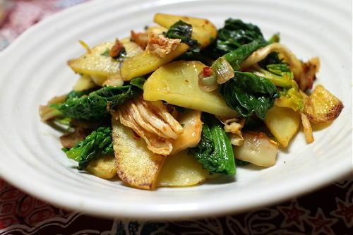今日のキムチレシピ:ほうれん草とジャガイモのキムチ炒め