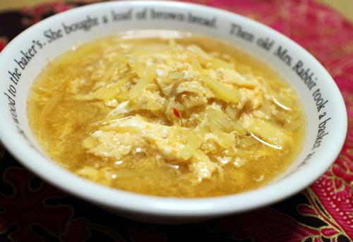 今日のキムチ料理レシピ:ジャガイモとキムチのかきたま汁