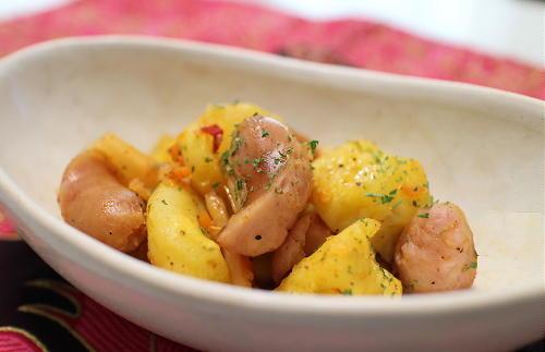 今日のキムチレシピ:ジャガイモとソーセージのキムチ和え
