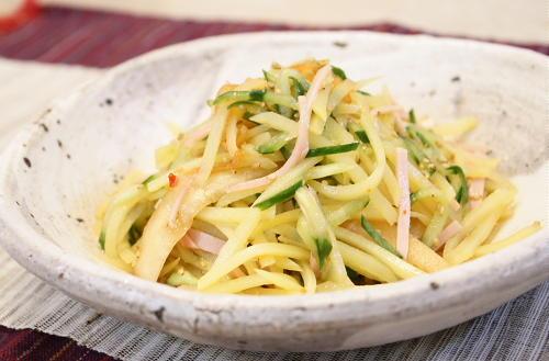 今日のキムチ料理レシピ: ジャガイモとキムチの中華サラダ