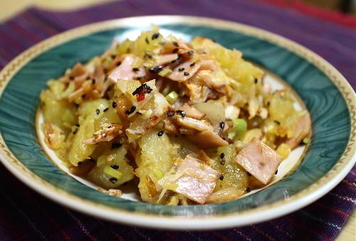 今日のキムチ料理レシピ:ジャガイモとキムチのホットサラダ
