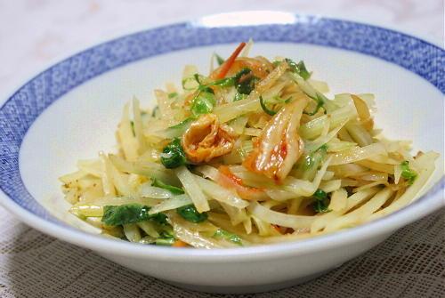 今日のキムチ料理レシピ:ジャガイモとキムチのガーリックバター炒め