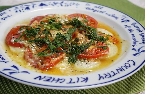 今日のキムチ料理レシピ:ポテトとキムチのレンジでチーズ焼き