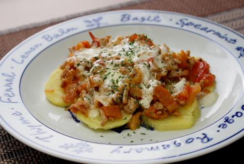 今日のキムチ料理レシピ:ジャガイモのキムチひき肉チーズ焼き