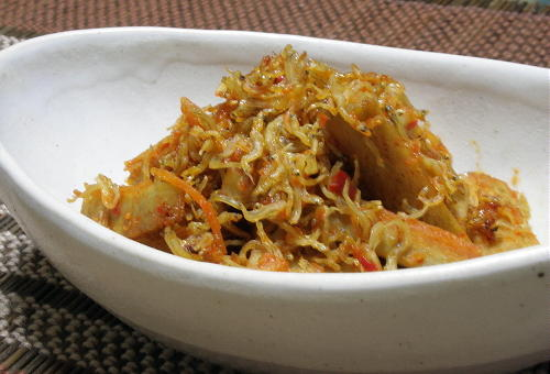 今日のキムチ料理レシピ:ごぼうのピリ辛じゃこ煮