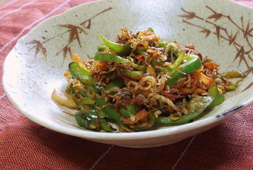 今日のキムチ料理レシピ:じゃこピーマンのキムチ炒め