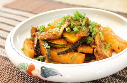 今日のキムチ料理レシピ:かぼちゃと大根キムチの甘辛炒め