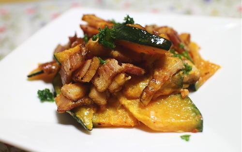 今日のキムチ料理レシピ:かぼちゃとベーコンのキムチマヨ炒め