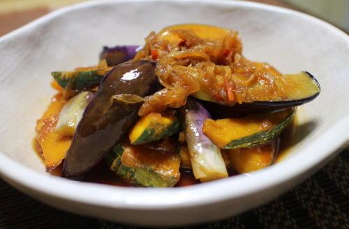 今日のキムチ料理レシピ:カボチャと茄子のキムチ南蛮