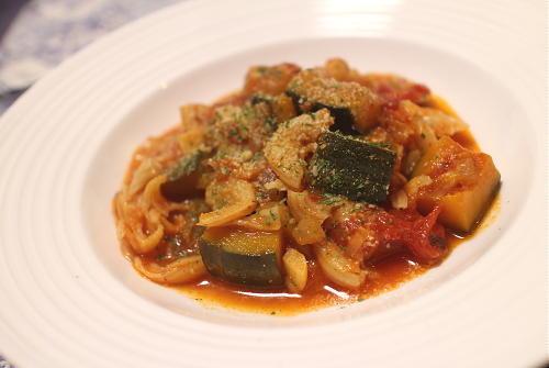 今日のキムチ料理レシピ:カボチャとキムチのトマト煮