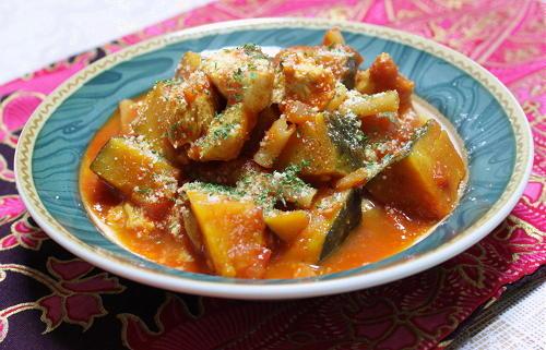 今日のキムチ料理レシピ:かぼちゃとキムチのトマト煮込み