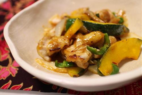 今日のキムチレシピ:かぼちゃと鶏肉とキムチの甘酢炒め