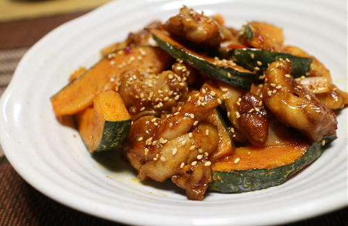 今日のキムチレシピ:カボチャと鶏肉のピリ辛甘酢炒め