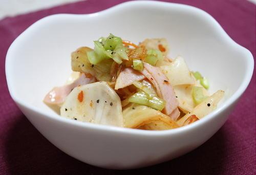 今日のキムチ料理レシピ:かぶとキムチのさっぱりサラダ