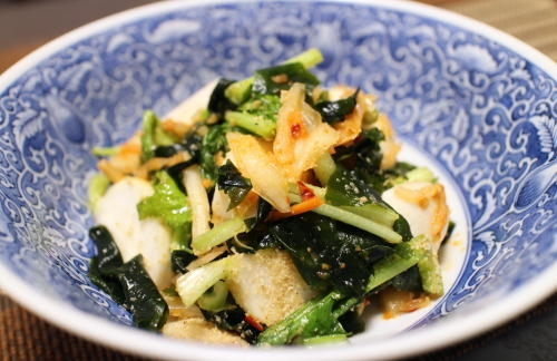 今日のキムチ料理レシピ:カブとキムチの胡麻酢和え
