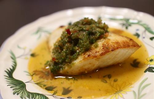 今日のキムチ料理レシピ:カジキのキムチきゅうりソース