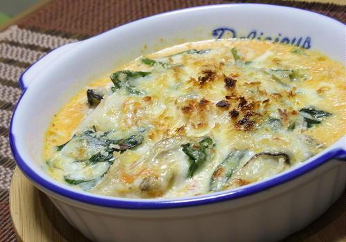 今日のキムチ料理レシピ:牡蠣とほうれん草とキムチのグラタン