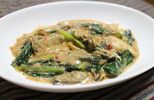 今日のキムチ料理レシピ:カキと小松菜とキムチのクリーム煮