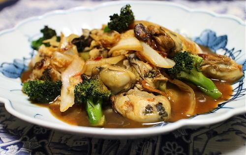今日のキムチ料理レシピ:カキと白菜のピリ辛オイスター炒め