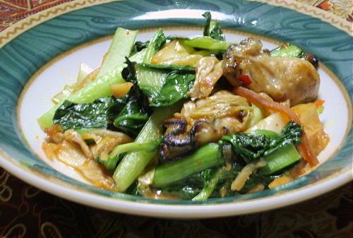 今日のキムチ料理レシピ:牡蠣とターツァイのキムチ炒め