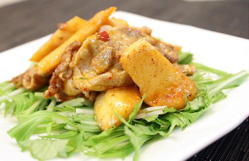 今日のキムチ料理レシピ:豚肉と特選カクテキのマヨネーズ炒め