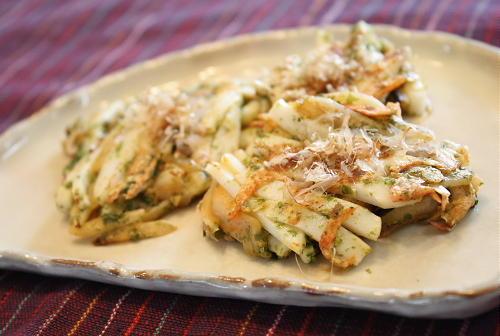 今日のキムチ料理レシピ:かまぼことキムチのお焼き