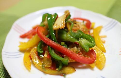 今日のキムチ料理レシピ:ピーマンとキムチの炒め物