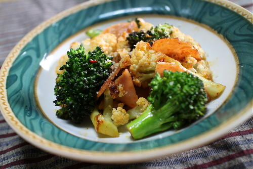 今日のキムチレシピ:ブロッコリーとカリフラワーのキムチ炒め