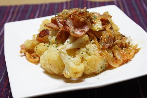 今日のキムチ料理レシピ:カリフラワーとキムチのチーズ炒め