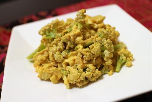 今日のキムチ料理レシピ:カリフラワーのキムチカレーマヨ和え