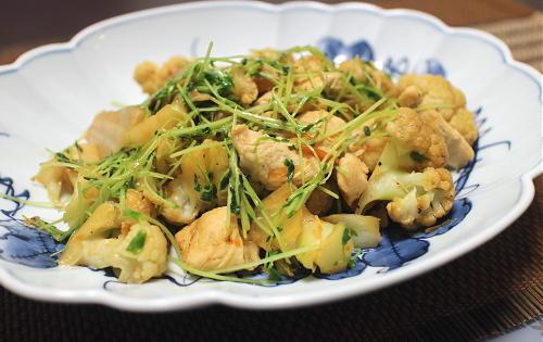 今日のキムチレシピ:カリフラワーと鶏肉のキムチ煮