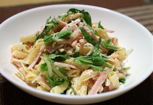 今日のキムチ料理レシピ:キムチマカロニサラダ
