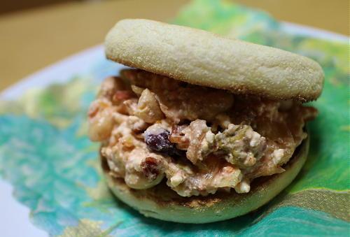 今日のキムチ料理レシピ:カッテージチーズとキムチのマフィン