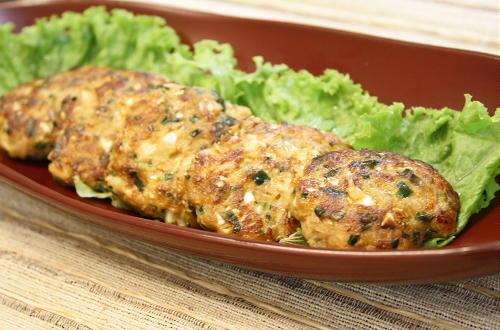 今日のキムチ料理レシピ:皮なしピリ辛餃子