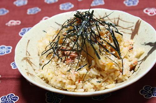 今日のキムチ料理レシピ:鮭とキムチの炊き込みご飯