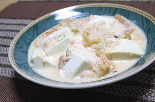 今日のキムチ料理レシピ:キムチと豆腐の牛乳煮