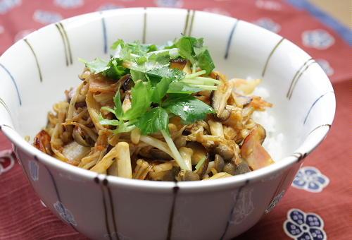 今日のキムチ料理レシピ:きのこキムチ丼