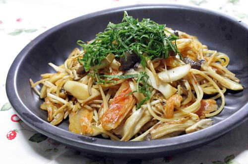 今日のキムチ料理レシピ:きのこキムチパスタ