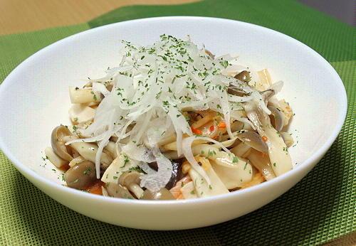 今日のキムチ料理レシピ:きのこキムチサラダ